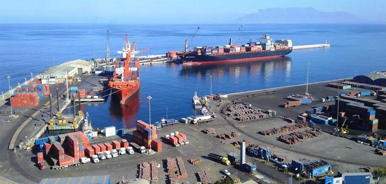 Puerto de Antofagasta aumentó 21% su movimiento de carga