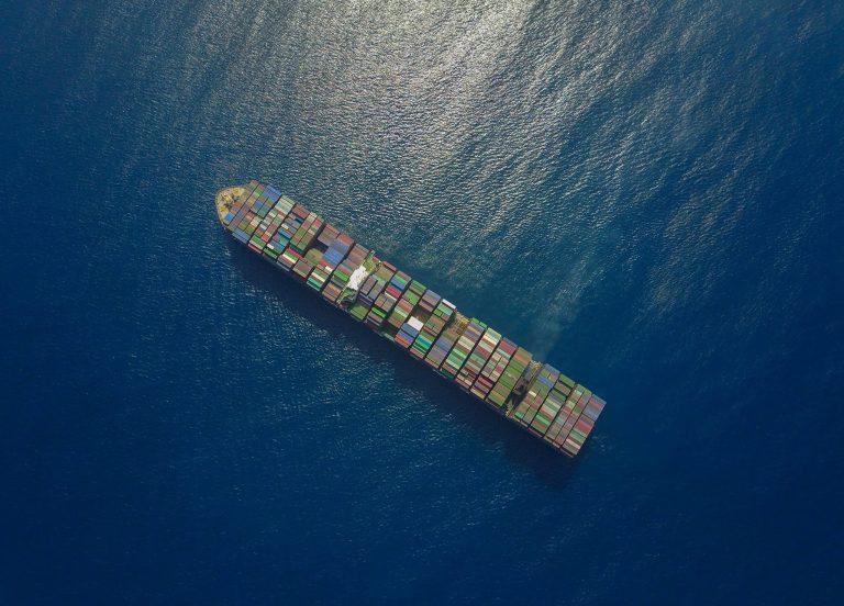 Una mirada al envío internacional de contenedores marítimos