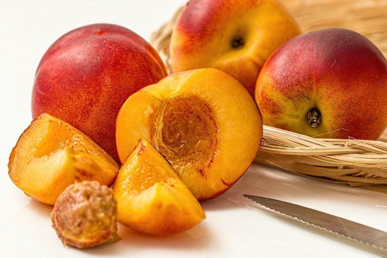 Del azúcar de frutas y verduras crearán bioplástico
